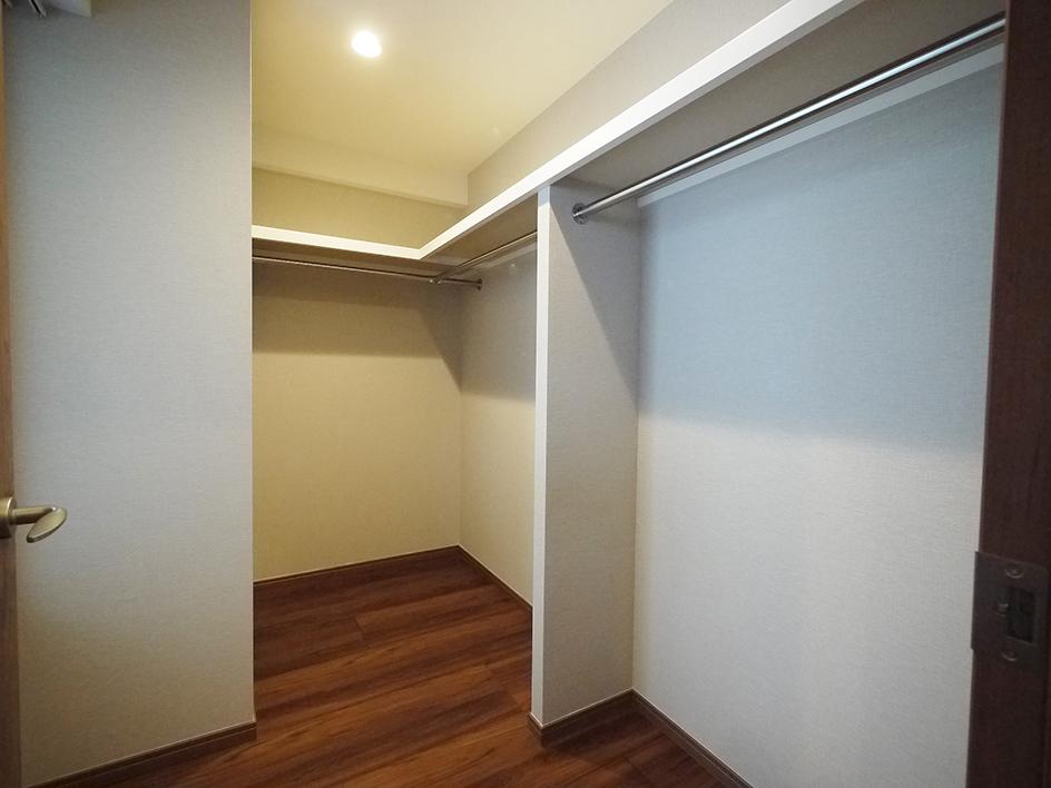 光と風が通り抜ける部屋 収納内側