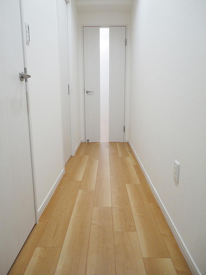 ぬくもり漂うナチュラル空間-廊下