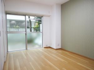 ぬくもり漂うナチュラル空間-洋室1