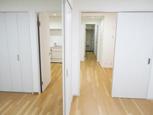 ぬくもり漂うナチュラル空間-洋室扉