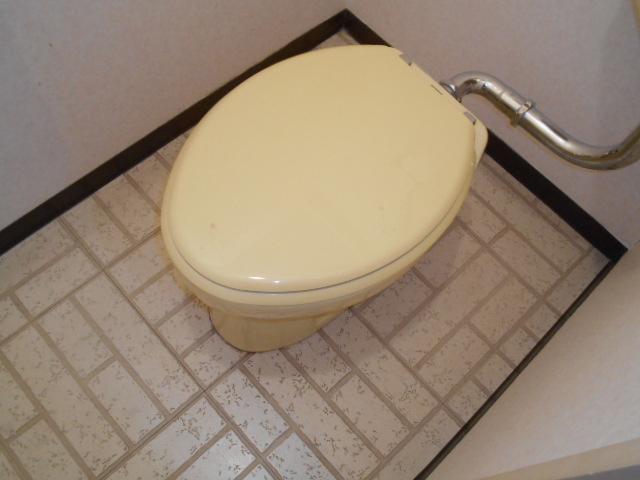 ぬくもり漂うナチュラル空間-トイレ施工前
