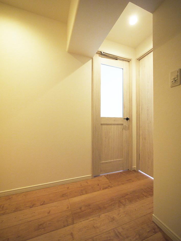 197玄関からリビング扉