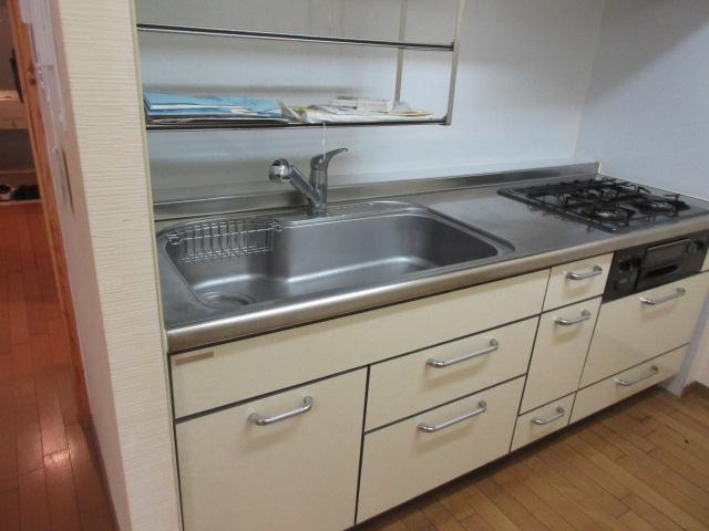 200施工前-キッチン