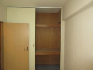 200施工前-洋室収納