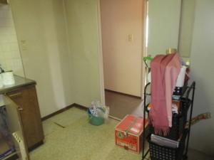 201-キッチン入口