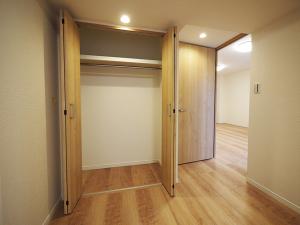 210-洋室3クローゼット
