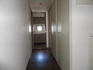 213-玄関と廊下施工前