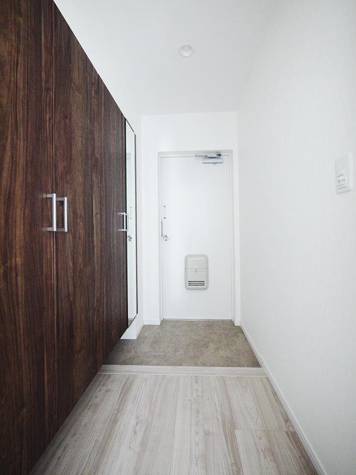 210-廊下から玄関