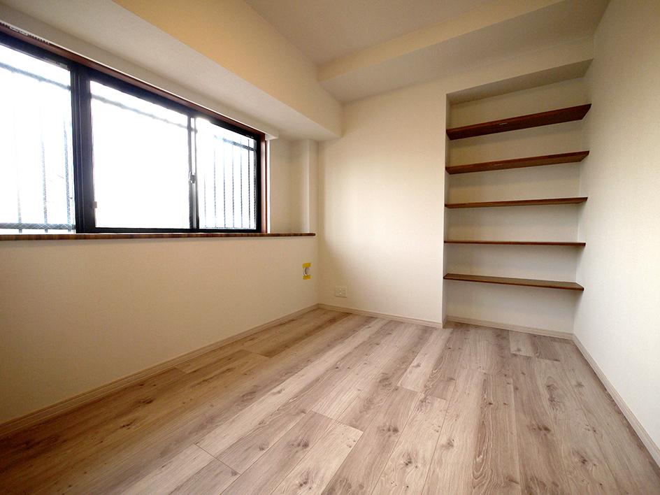 215-洋室2 棚