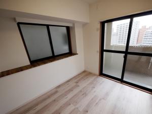 215-洋室1 ベランダ側