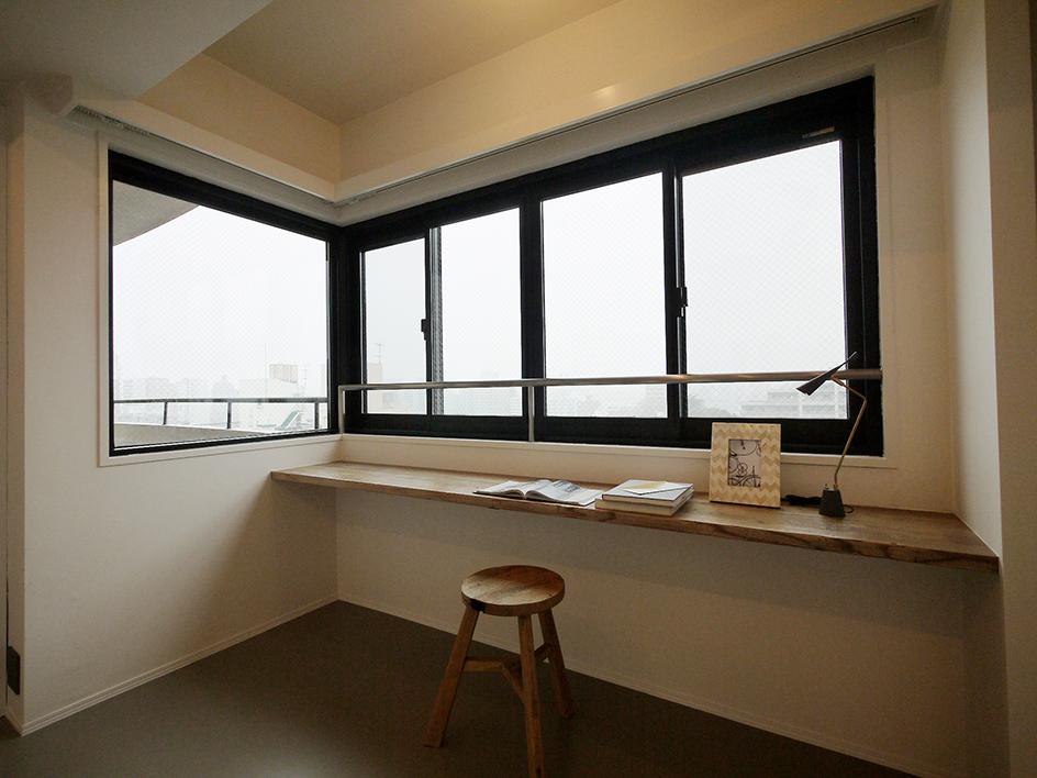 213-洋室窓際スペース