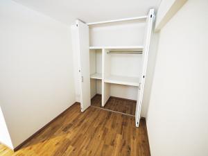 220-洋室収納
