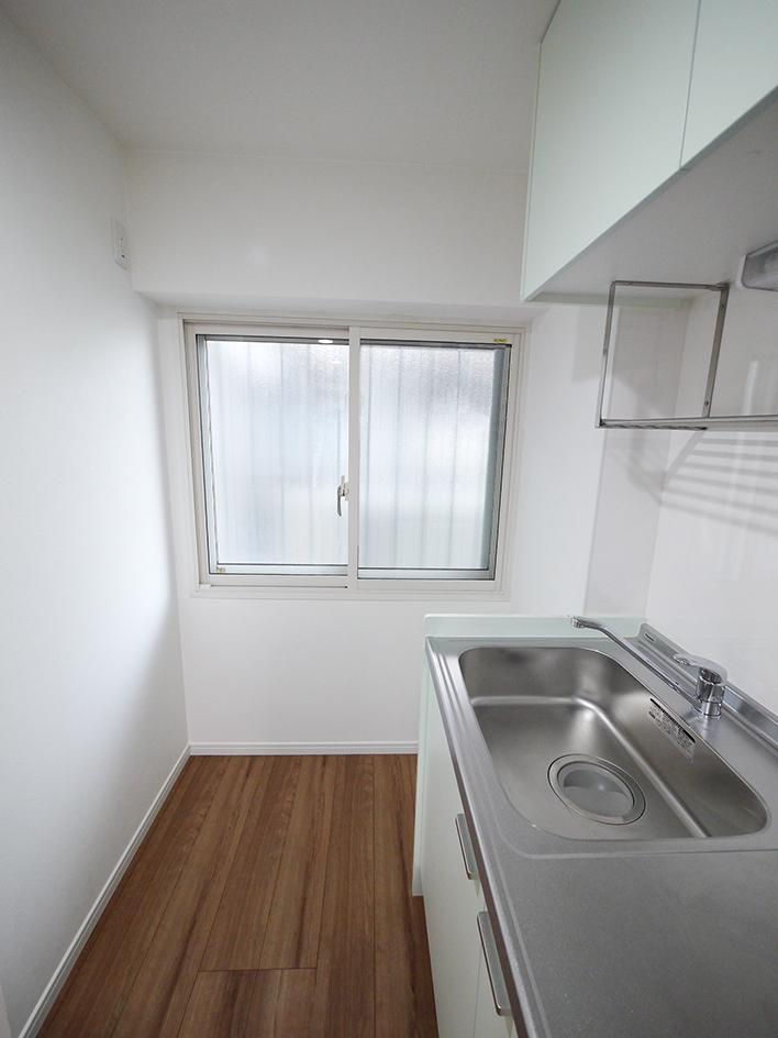 214-キッチン横から