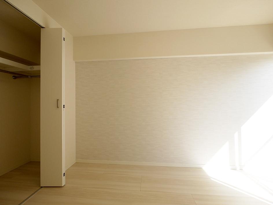 コヤマハイツ-洋室2壁側
