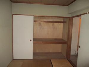 225タウンハウス中目黒-元和室押入れ施工前