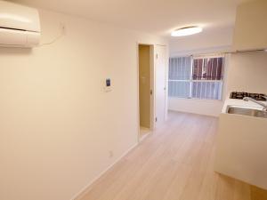 230-キッチンから廊下