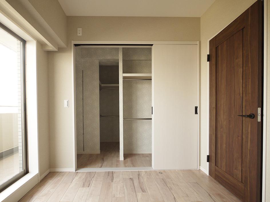 235-洋室3収納