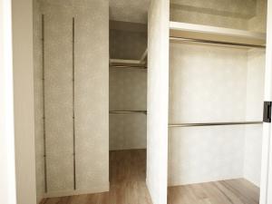 235黒森様邸-洋室3 収納