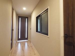 235黒森様邸-洋室2 廊下側