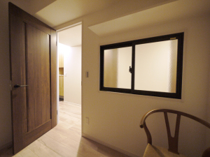 235黒森様邸-洋室2 室内窓