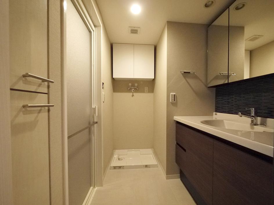235黒森様邸-洗面室