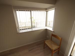 235黒森様邸-リビングコーナー窓