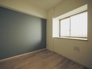 235黒森様邸-洋室1 壁