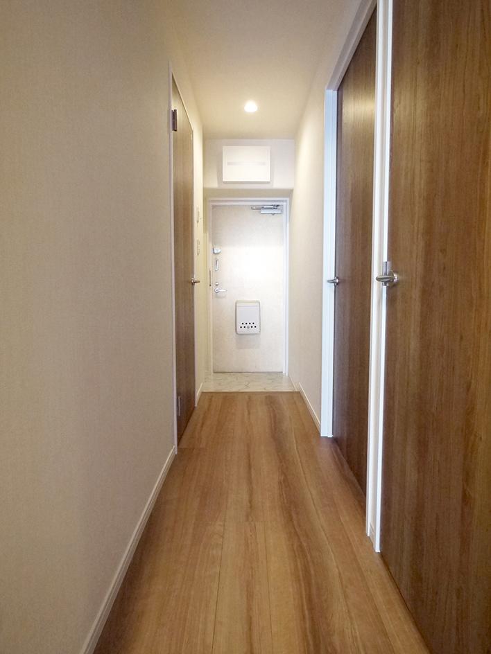 232エンゼルハイム千住-廊下と玄関