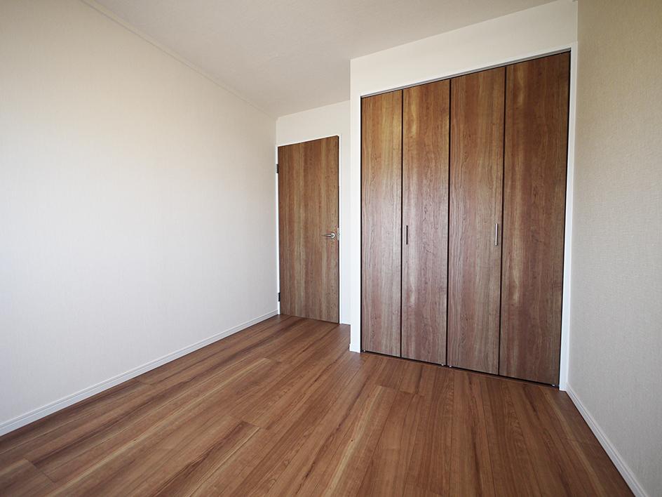 232-洋室扉閉め