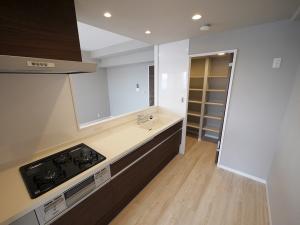 234-キッチン全体斜め