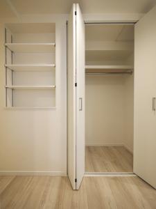 237-廊下収納正面