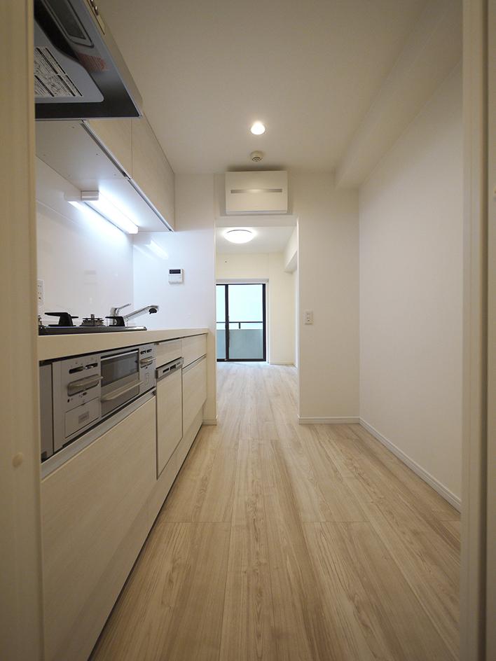 237-廊下からキッチン