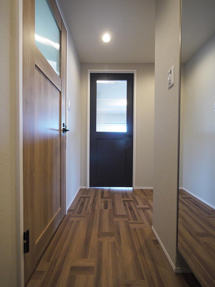 243-玄関から廊下