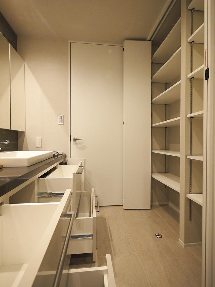 245-洗面室収納棚