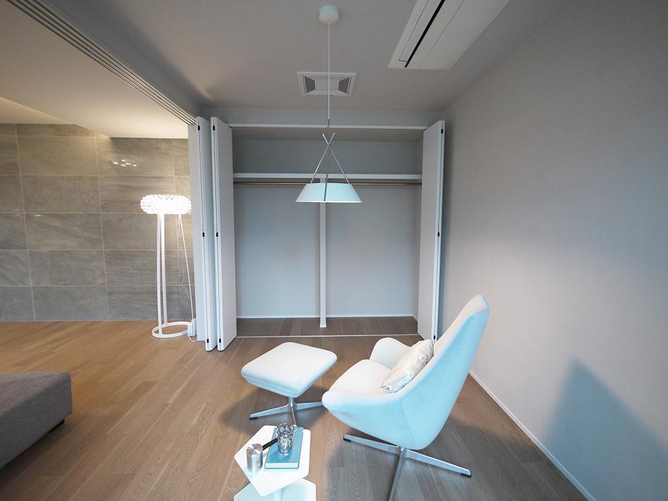 245-洋室2収納側