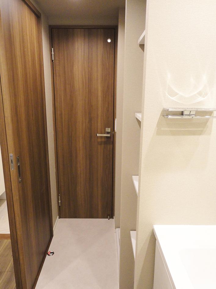 247-トイレ扉