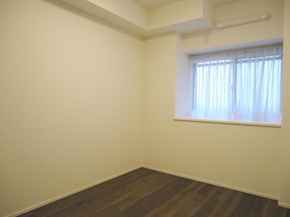247-洋室1窓側
