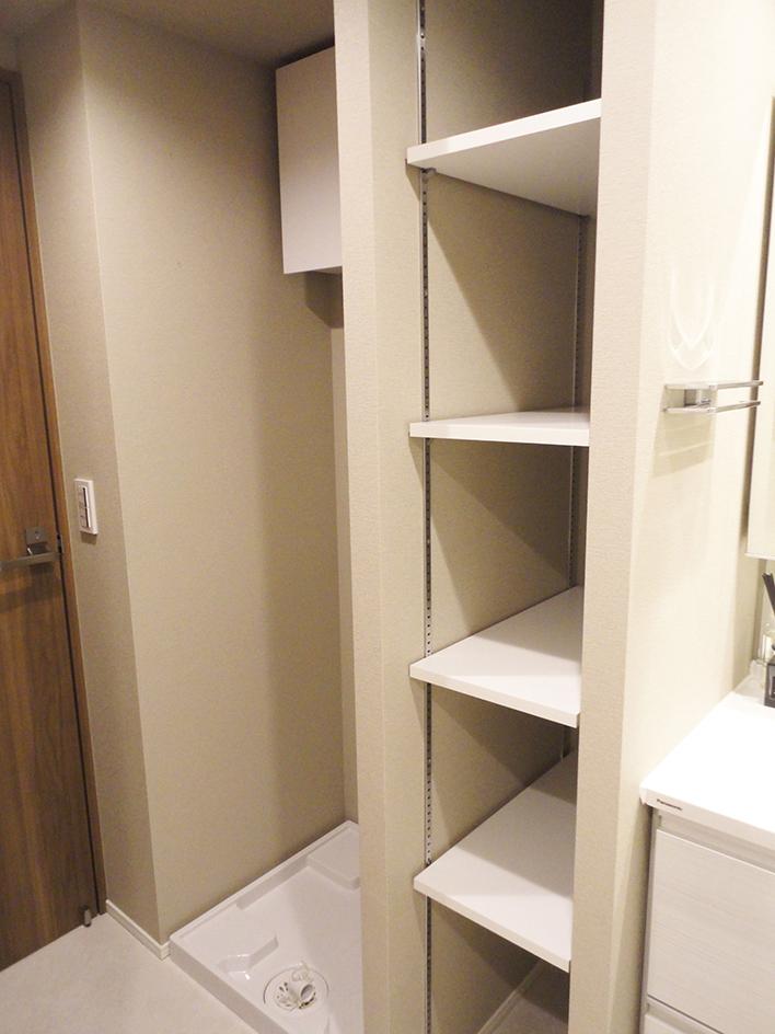 247-洗面室棚と洗濯パン