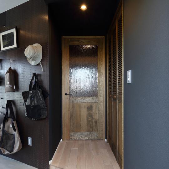 ヴィンテージテイストのリビングドア